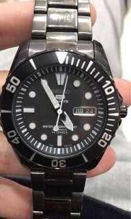 Seiko automatic watch submariner