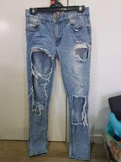 Boohoo ripped jeans (size 8)