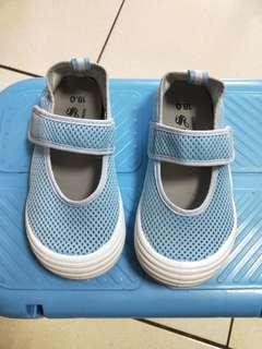 🚚 藍色室內鞋18公分