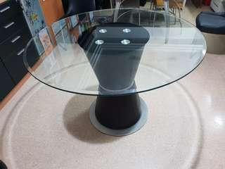 Lorenzo tempered glass table