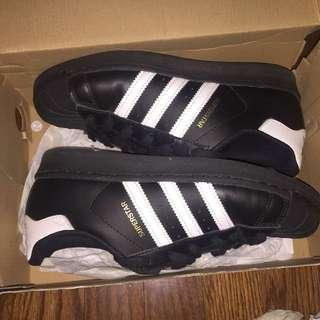 Adidas black/white shoes
