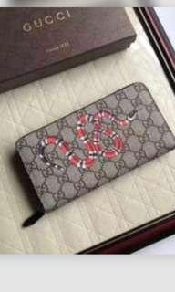 Gucci snake wallet with zipper