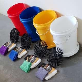 Car wash bucket set with wheel and sand grit guard