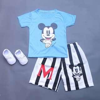 Setelan Mickey Mouse