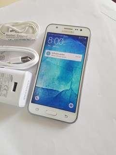 Samsung Galaxy J5. J500N0. 95%new
