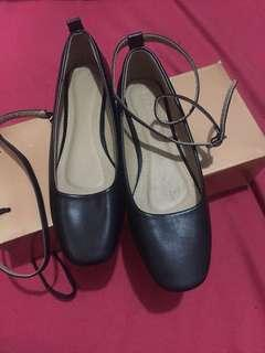 Black Shoes (size 6)