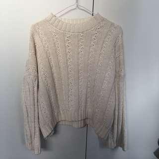 Semi cropped knit