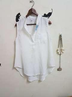 🚚 全新v領無袖襯衫