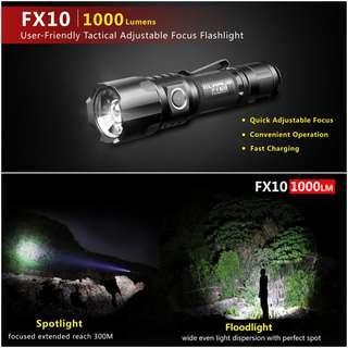 (Zoomable) Klarus FX10 Adjustable Angle USB Rechargeable Flashlight