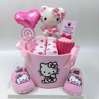 Ready stock ! Authentic Hello Kitty Baby Diapers Cake