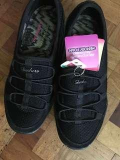 Authentic Sketchers Relaxed Fit w/ Memory Foam