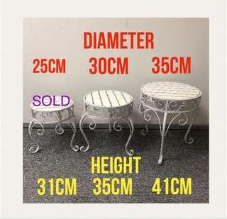 BN White Classy Boutique Small Chairs Display / Stools
