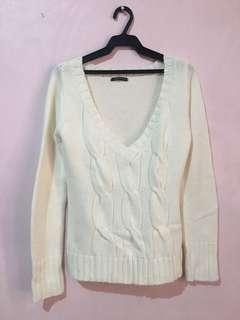 White Knitted V-neck Sweater