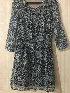 Printed black dress with lining