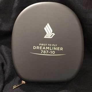 RARE! Limited edition! SQ/SIA Dreamliner 787 Headphones with adaptor