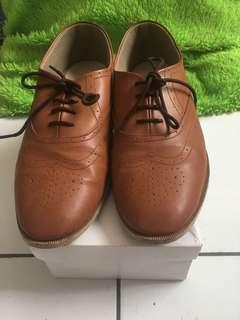 Wondershoe oxford shoes