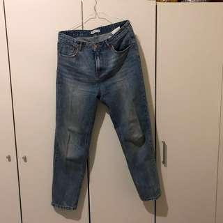[PRELOVED - S] High Waisted Mom's Jeans PULL and BEAR in Medium Blue