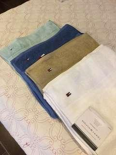 Tommy Hilfiger bath towels