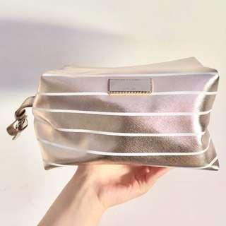 WITCHERY ROSE GOLD STRIPED MAKEUP BAG
