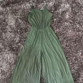 Bershka - Maxi Jumpsuit in Army Green