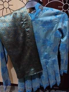 Kebaya + rok biru