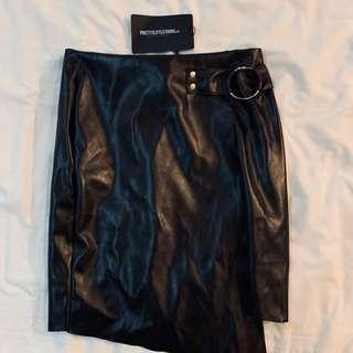 Bnwt pretty little thing black O ring asymmetrical mini skirt authentic plt