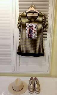 🚚 韓劇 street chic 條紋貼圖上衣 T-shirt  寬鬆大碼