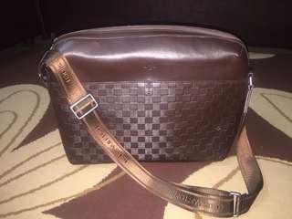 LV Sling Bag (massengger bag) big size