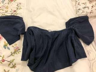 Off shoulder top (NAVY color)