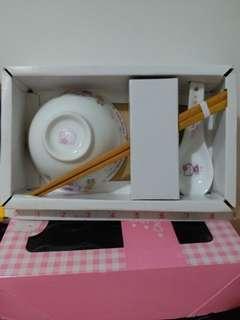1976 ,1999 Sanrio Hello kitty  碗 筷子 匙套裝 一盒