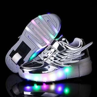 [NEW ] [ PO] !!! PROMOTION MONTH   !! FOR THIS AWESOME PRETTY COOL LED ROLLER SHOES SINGLE WHEELS !!