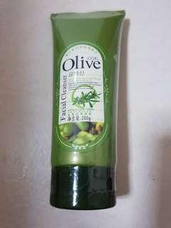 Olive Exfoliating Facial Gel
