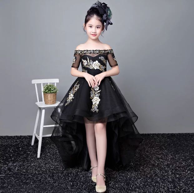 5ed90fd5398 Black Elegant Evening Gownns