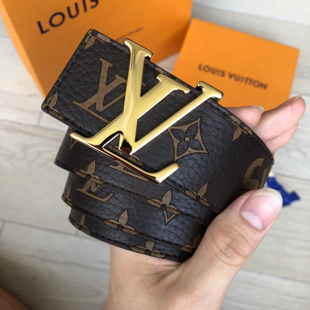 e1bfc612e770 BNIB Louis Vuitton X Supreme 90cm Belt