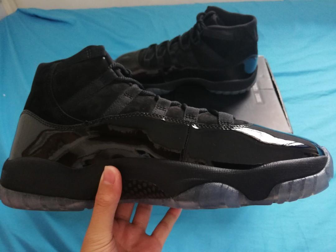 Nike Air Jordan 11 Cap Gown Mens Fashion Footwear Sneakers