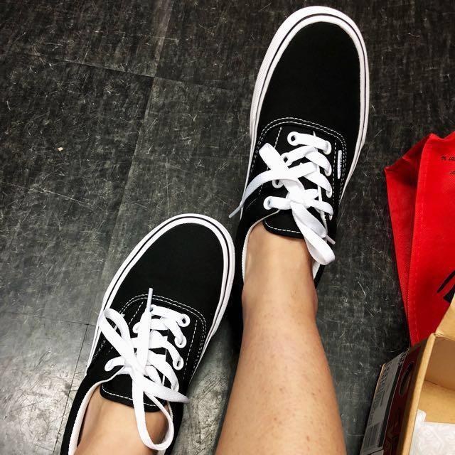 6feafd581c68 Vans Shoe