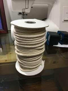 綿繩 0.5 cm 粗 一大卷