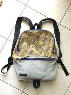(PRELOVED) Ransel second bekas motif flowers