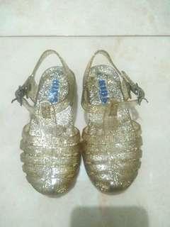sepatu sendal cotton on