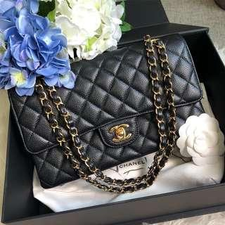 🌈Super popular and highly sought after!🌈 Full Set LOCAL RECEIPT. Chanel Medium Classic Flap in Black Caviar GHW