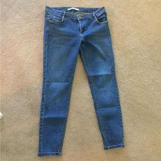 US 6 Zara Medium Wash Low Rise Jeans (Stretchy)