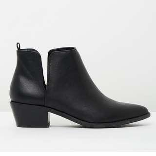 [SPURR] BLACK ANKLE BOOTS