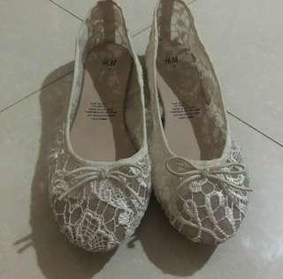 H&m lace doll shoes