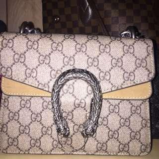 Gucci chain purse