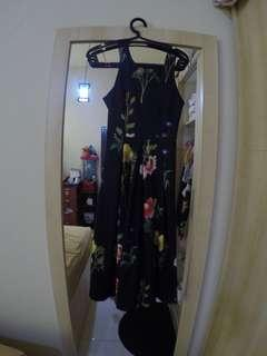Black flower backless dress