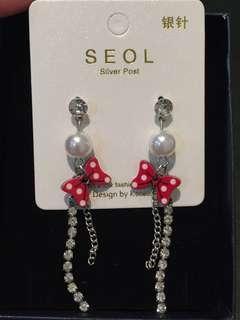 018 Minnie's Bow Dangling Earrings