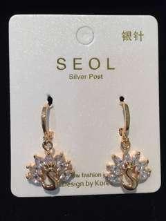 020 24k White Swan Crystal Earrings