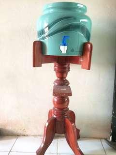 Trisensa guci/dispenser kramik