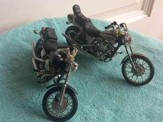 Collectibles miniatures of motorbikes...