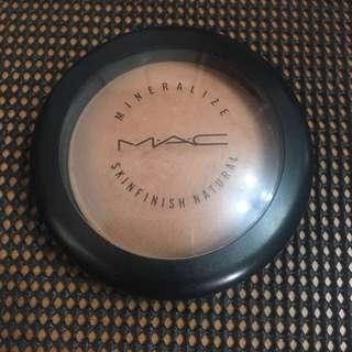MAC 礦物啞光粉餅